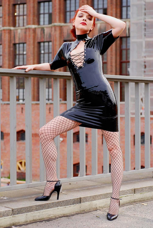 Latex Girl Berlin XI