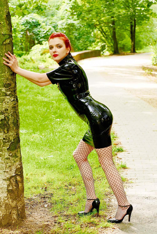Latex Girl Berlin IX